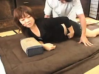 Hot Lady Gets Her Sweet Curves Massaged And Her Aching Puss